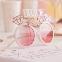 Briller - bride to be, blush